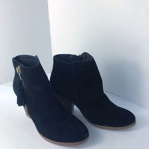 Aldo Black Suede Booties. Size 8
